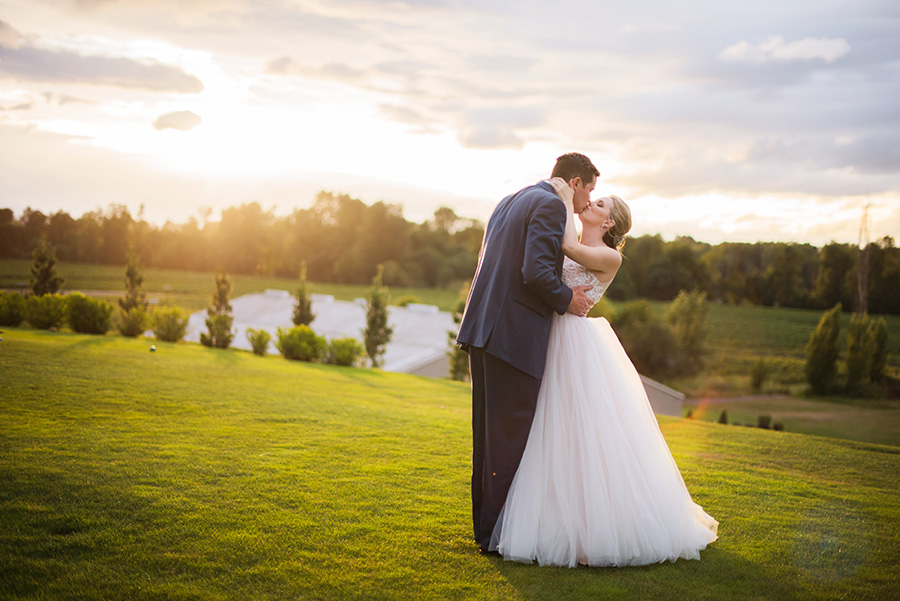 Illahe Hills Country Club Wedding Photo Alix & Cam