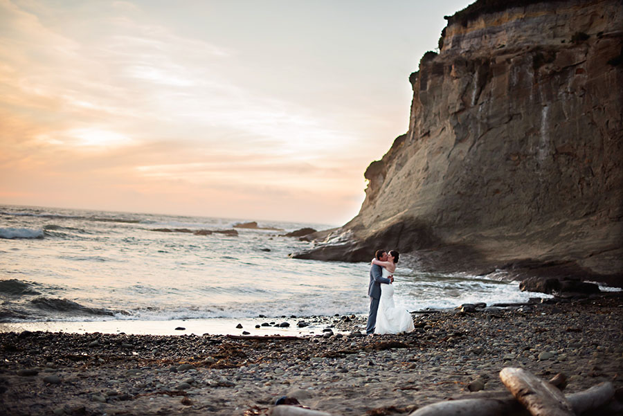 Sunset Wedding photo Oregon Coast | Karen & Mark